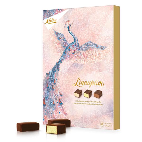 Linnupiim valik vahustatud täidisega šokolaadikompvekke. Kalev